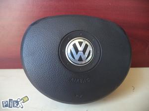 VW Golf 5 V - airbag volana