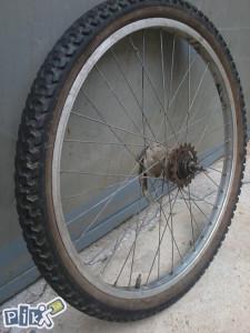 """Zadnja felga 24"""" za bicikl ,sa unutrašnjim mjenjačem"""