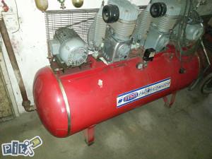 kompresor s dva motora