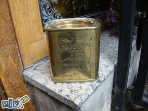 Veoma stara kutija za čaj