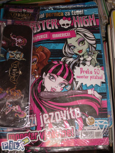 Monster high / sa igračkom