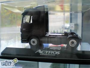 "Original Mercedes Benz model Actros V8 ""BLACK EDITION"""