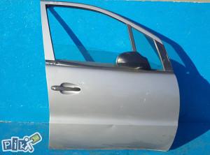 Mercedes A klasa 2000-prednja desna vrata (ostali dijelovi)