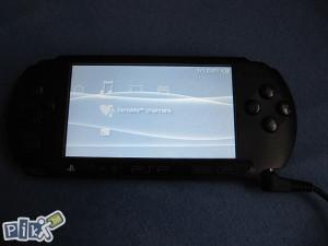 PSP E1004-sa 2GB KARTICOM I ORG PUNJACEM