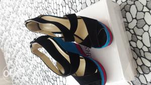 Crne sandale  snizene na 15